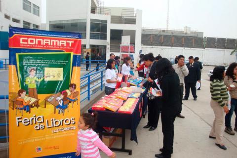 LOS OLIVOS. Los profesores y padres de familia conocieron la publicaciones de Lumbreras Editores.
